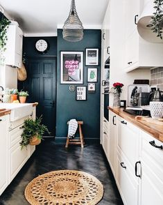 A small kitchen can of course be as cozy and practical as a big one. The small kitchen ideas 2019 will make sure you get that functional small kitchen design 20 Best Kitchen Cabinets, Kitchen Cabinet Design, New Kitchen, Compact Kitchen, Floors Kitchen, Kitchen Wood, Kitchen White, Bathroom Cabinets, Kitchen Designs