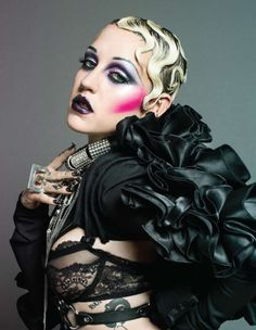 bustmagazine:    (via Brooke Candy Says Smoke Weed Wear More Wigs: From The BUST Archives)