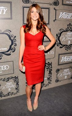 Ashley Greene's Medium Brown Copper haircolor is the perfect complement for her skin tone, and her dress! Learn how to get your own perfect, customized haircolor at home here: http://www.haircolorforwomen.com/breakthrough-hair-color-system/
