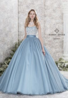 pretty skirts and dresses Ball Gown Dresses, Evening Dresses, Prom Dresses, Formal Dresses, Quince Dresses, Beautiful Gowns, Beautiful Outfits, Pretty Outfits, Pretty Dresses