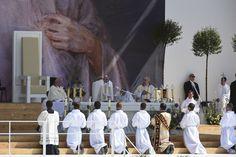 Sunday Mass on Campus Misericordiae with Pope Francis.  Foto: Jeffrey Bruno #WYD2016 #Krakow2016 #PopeFrancis