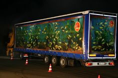 "Aquarium - real truck that was painted to resemble Rhino Rolling Ads competition - ""Aquarium"" . 3d Art, Billboard Design, Truck Art, 3d Street Art, Weird Cars, Truck Design, Trucks, Chalk Art, Advertising Design"
