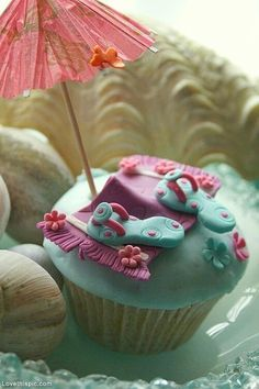 Cute Flip Flop Cupcake cute summer cupcake decorate bake flip flops