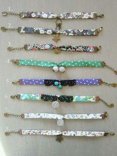 bracelets liberty Plusbracelets libertyza inspiraza for Atelier.Bracelet or choker necklace!Bracelet with tissue and pendants Bracelets Liberty, Ribbon Bracelets, Jewelry Bracelets, Textile Jewelry, Fabric Jewelry, Friendship Bracelet Patterns, Friendship Bracelets, Bracelet Making, Jewelry Making