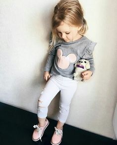 Baby Outfits, Outfits Niños, Princess Outfits, Kids Outfits Girls, Girl Fashion Style, Girls Fashion Clothes, Little Girl Fashion, Toddler Fashion, Kids Fashion