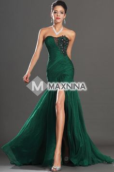 Green Sweetheart Neck High Slit Evening Dress With Beads and Appliques