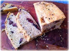 Quirky Cooking: Caramelized Onion & Olive Spelt Bread