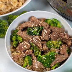 "Easy Vegetarian Fajitas   A Mind ""Full"" Mom Fresh Broccoli, Broccoli Beef, Beef Recipes, Healthy Recipes, Healthy Meals, Easy Recipes, Dinner Recipes, Vegetarian Fajitas, Smoke Sausage And Potatoes"
