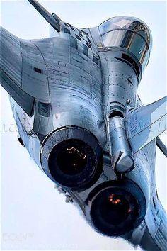The Dassault Rafale! Jet Fighter Pilot, Air Fighter, Fighter Jets, Airplane Fighter, Fighter Aircraft, Military Jets, Military Aircraft, Rafale Dassault, Aircraft Photos