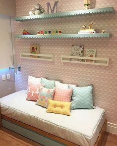 Uma inspiração bem linda de quarto infantil para todas as mamães que nos acompanham. Boa noite e ótima semana, pessoal!