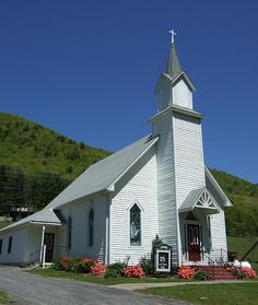Lovely country churches dot the landscape in the Endless Mountains region of Northeastern Pennsylvannia!