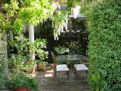 Wisteria Pergola >> http://www.diynetwork.com/outdoors/cottage-style-landscapes-and-gardens/pictures/index.html?soc=pinterest