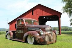 1946 Chevy Maintenance/restoration of old/vintage vehicles: the material for new… 1946 Chevy Truck, Vintage Chevy Trucks, Classic Chevy Trucks, Chevy Classic, Vintage Cars, Classic Cars, Bagged Trucks, Lowered Trucks, Hot Rod Trucks