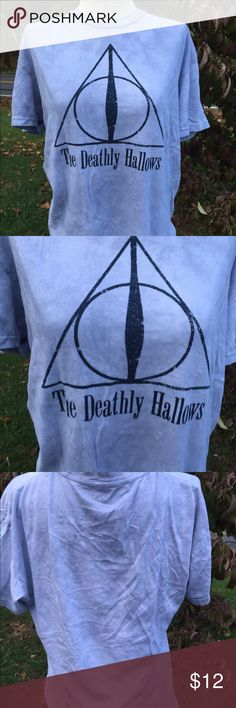 Wizarding World of Harry Potter Deathly Hallows Size medium. Gently preowned Universal Tops Tees - Short Sleeve