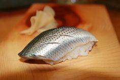 Kohada nigiri - A thing of beauty. Vietnamese Recipes, Filipino Recipes, Indian Food Recipes, Asian Recipes, Cantonese Food, My Sushi, Asian Soup, Momofuku, Steamed Buns