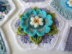 Ravelry: HadarU's My Frida's Blossom - Frida's Flowers Blanket CAL 2016 . Crochet Squares Afghan, Granny Square Crochet Pattern, Crochet Blocks, Crochet Flower Patterns, Crochet Blanket Patterns, Crochet Motif, Diy Crochet, Crochet Flowers, Crochet Granny