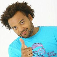 Fabrice Éboué, né le 7 juin 1977 à Maisons-Alfort[ (Val-de-Marne), est un humoriste et acteur français.