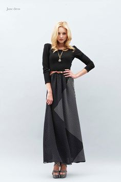 you should see the back! great maxi dress for the winter