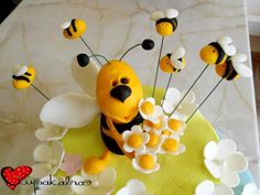 bee topper.cakes by ciupakabra