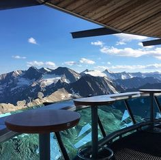 These are the most phenomenal vantage points in Austria for those who are free from giddiness - Travel Destinations Trend Vacation Ideas, Vacation Spots, Best Places To Travel, Cool Places To Visit, Oahu, Best Rooftop Bars, Hiking Spots, Destination Voyage, Road Trip Usa