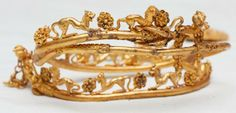 A newly discovered gold treasure near the village of Sveshtari sheds light on ancient rituals. The gold filigreed tiara with lion motifs is the most impressive artefact of the Sveshtari treasure. Antique Gold, Antique Jewelry, Vintage Jewelry, Royal Jewels, Crown Jewels, Headpiece Jewelry, Jewellery, Greek Jewelry, Ancient Jewelry