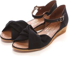 Gaimo ひねりリボンジュートサンダル / Spring to Summer shoes picks on ShopStyle