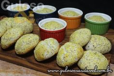 Dá tempo para o #lanche, com 12 minutinhos no forno o Pãozinho de Coco Simples está pronto e é #SemGlúten e #SemLactose!  #Receita aqui: http://www.gulosoesaudavel.com.br/2015/09/01/paozinho-coco-simples/