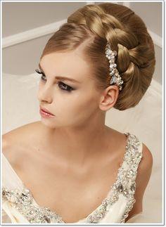 Inspiration für die Braut: Hochsteckfrisuren Herbst/Winter 2015-2016
