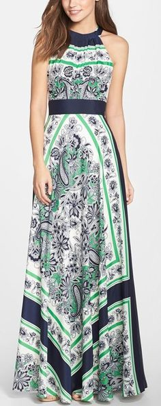 Maxi dress very stylish. If you visit the page you can find a tutorial about maxi dresses and how to wear them. #maxidress #colorfuldress