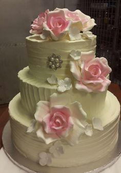 Simple wedding cake to Inspire you