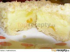 Smetanový sypaný koláč s uvařeným pudinkem