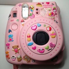 if I ever get an instax, I'm gonna put stickers on it :)