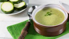 Sopa de calabacines y algas para controlar el peso