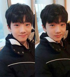 Ommg jisung looks so cute hereee!