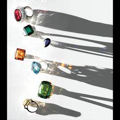 Dripping in Holiday Jewels High Jewelry, Luxury Jewelry, Jewelry Art, Jewelry Design, Jewelry Accessories, Jewelry Ideas, Photo Jewelry, Fashion Jewelry, Foto Still