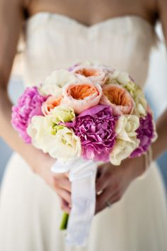 gorgeous bright colors  Photography by bandgphotography.com, Floral Design by http://artisanevents.net