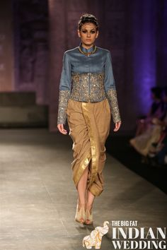 This look just works! That Kurta and that dhoti. Anju Modi for India Couture Week Indian Attire, Indian Wear, Indian Outfits, Indian India, Lakme Fashion Week, India Fashion, Outfit Trends, Outfit Ideas, Pants For Women