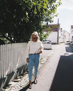 Mom jeans, long sleeve white blouse shirt, Birkenstock sandals, sunglasses, casual spring outfit, school outfit