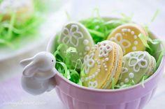 Easter Macarons-14