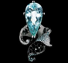 RING  1 aquamarine 10,60 ct  173 diamonds 0,68 сt  97 sky blue diamonds 0,47 ct  18K white gold 14,1 g