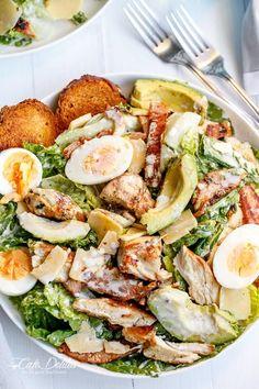 skinny chicken and avocado caesar salad - Salat Ideen Healthy Meal Prep, Healthy Salads, Healthy Recipes, Healthy Tasty Food, Good Salad Recipes, Dinner Salad Recipes, Healthy Caesar Salad, Pesto Pasta Recipes, Healthy Eating Habits