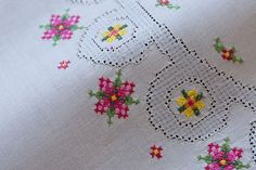 1960S Ecru cotton hand cross stitch embroidery table toppers
