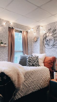 ✔ 50 cute dorm rooms we're obsessing over right now 4 – Home Design Inspirations Room Ideas Bedroom, Bedroom Decor, Bedroom Inspo, Comfy Bedroom, Bedroom Signs, Decor Room, Modern Bedroom, Kids Bedroom, Master Bedroom
