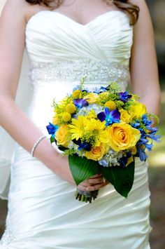 #Wedding Colours... 3 main colours:- black, white, lemon + 2 accent colours:- island blue & electric blue ... More wedding ideas for brides & bridesmaids, grooms & groomsmen, parents & planners ... https://itunes.apple.com/us/app/the-gold-wedding-planner/id498112599?ls=1=8 … plus how to organise an entire wedding, without overspending ♥ The Gold Wedding Planner iPhone App ♥