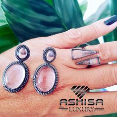 COMPRE no ATACADO  e tenha mais de 300% de lucro na ASHISA São Mais de 5 Mil modelos #brincos #anel #pulseiras #gargantilha #pingente #colar #corrente  #semijoias e #Moda #Intima, seja um revendedor Ashisa o 1º #MMN de acessórios do Brasil Wedding Rings, Engagement Rings, Jewelry, Bracelets, Ear Rings, Neck Choker, Chains, Crystals, Necklaces
