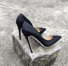 af599ddfc74 16 Best shoes images