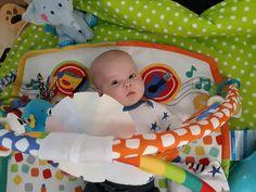 Správně zvolené hračky jsou skvělými pomocníky při rozvoji dítěte. Více se dozvíte v našem blogu! Baby, Furniture, Home Decor, Decoration Home, Room Decor, Home Furnishings, Baby Humor, Home Interior Design, Infant