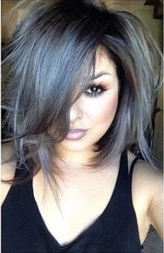 The how to steps for cool grey hair: dying your hair bleach blond, toning out the orange spots, and then using shades of violet dye to give you a nice, grey hue.(Grey Hair Tips) Medium Hair Styles, Curly Hair Styles, Grey Hair Looks, Grey Hair Bob, Blue Grey Hair, Grey Hair Bangs, Dark Grey Hair Charcoal, Short Gray Hair, Black And Grey Hair