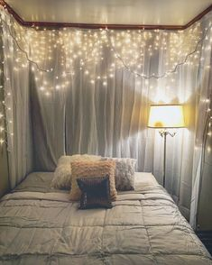 Creative ways unique cozy decor ideas with bedroom string lights 49 Girl Bedroom Designs, Room Ideas Bedroom, Girls Bedroom, Bedroom Decor, Romantic Master Bedroom, Beautiful Bedrooms, Romantic Bedroom Design, String Lights In The Bedroom, Aesthetic Room Decor