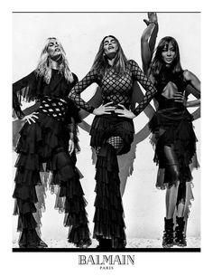 Balmain'ı ve Olivier Rousteing'i media whore olmak ve Kardashian/Jenner klanı ile aşırı içli dışlı olmakla yeterince suçladığımıza göre, Cindy Crawford, Naomi Campbell ve Claudia Schiffer'lı yeni Balmain Army gözlerimize bayram ettirmeye geliyor.